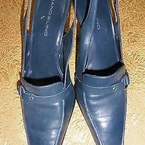Woman's Shoes Size 8 Photo