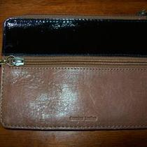 Womans Fossil Leather Wallet  Photo