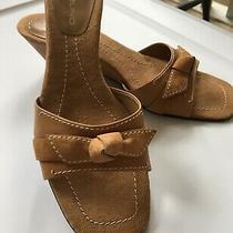 Women Bandolino Beige Suede Wedge Heel Sandals W/bow Detail Ex Cond. Sz 7.5 Photo