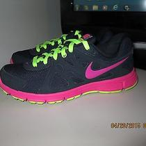 Women Nike Revolution 2 Running Shoe Size 9.5 Photo