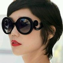 Women Prada Sunglasses Photo