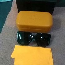 Women's Black Hermes Sunglasses Photo