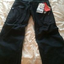 Women's Burton Snowboarding Pants  Photo