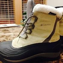 Women's Columbia Snow Boot Size 9 Photo