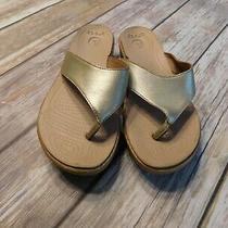 Women's Crocs Flip Flop Thong Sandals Gold Size 6 Photo
