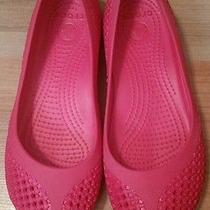 Women's Crocs Size 7 Photo