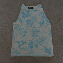 Women's Express Sleeveless Shirt Photo