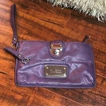 Women's Guess Sm Clutch Handbag Purple Faux Leather Silver Tone Hardware Metal Photo