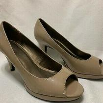 Women's High Heel Open Toe Shoe Beige Patent Leather Bandolino Size 8 M Photo