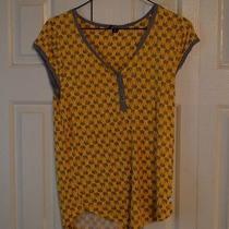 Women's Kenise Small v-Neck T-Shirt Photo