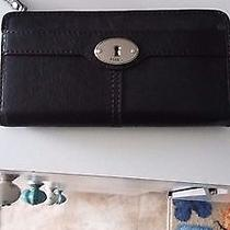 Women's Leather Fossil Wallet  Photo