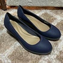 Women's Navy Blue Crocs Wedge Shoes Size 8 Euc Must See  Photo