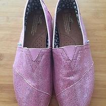 Women's Pink Toms Size 8 Photo
