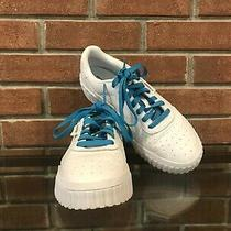 Women's Puma Sneakers Size 10 Photo