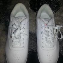 Women's Reebok Size 7 Photo
