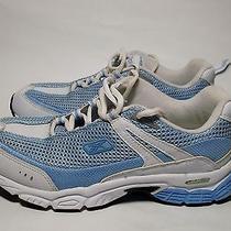 Women's Reebok Sneakers Size 9 Photo