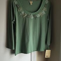 Women's Small Knit Shirt Photo