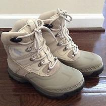 Women's Snow Boots Photo