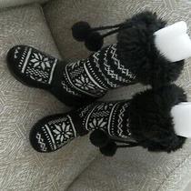 Women's Steve Madden Judie Black/white Knit/man-Made  W/faux Fur Trim Size 6.5 Photo