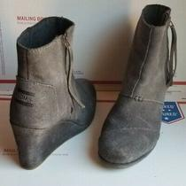 Women's Toms Desert Wedge Gray Suede Leather Zip-Up Ankle Boots Booties Sz 8 Photo
