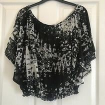 Womens Top Loose Fit Black & White Pattern h&m Size S Slightly Cropped Photo