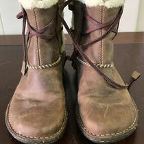 Women's Ugg 5136 Cove Brown Leather Shearling Short Booties Size 7 Wrap Laces Photo