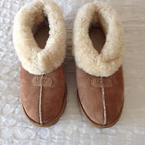 Women's Ugg Slippers Photo