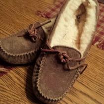 Women's Ugg Slippers Photo