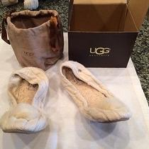 Women's Ugg Slippers Ivory Size 8 Photo