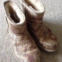 Women's Uggs Size 8 Photo