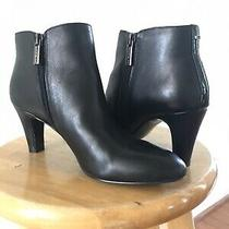 Womens Bandolino Short Black Leather Spike Heel Boots Sz 6 Great Condition Photo