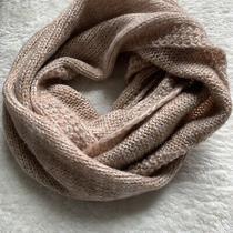 Womens Charlotte Russe Blush Pink & Cream Crochet Knit Infinity Scarf Nwot Photo