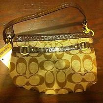 Womens Coach Wrist Bag Photo