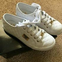 Womens G by Guess White Gg Backer 2 Sneakers Size 7.5 With Box Photo