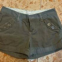 Womens/girls Short Aeropostale Size 1/2 S Pockets/buttons Excellent Condition Photo