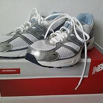 Womens New Balance Running Tennis Shoe Sneakers White/silver/blue Size 7.5 B  Photo