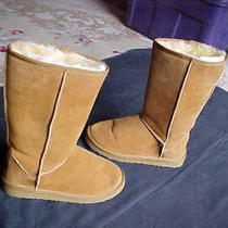 Womens Size 8 Classic Ugg Boots Very Nice & Clean Worn Once Excellent Shape Photo