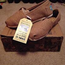 Womens Toms Photo