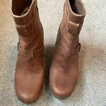 Womens Ugg Boots Size 9- Brown Leather Photo