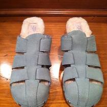 Womens Ugg Size 7 Photo