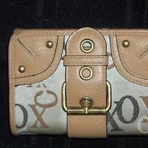 Xoxo Small Tan Wallet Change Purse Photo