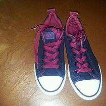 Youth Chuck Taylor Low Top Converse - Size 1  Pre Owned Photo