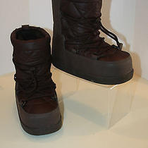 Youth Size 1 Ugg Chocolate Snow Boots  Photo