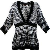 Zig Zag Print Sweater Trendy Ikat Low v-Neck Stripe Flamestitch B/w Designer Top Photo